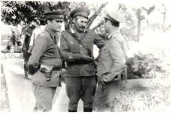 Василий Петраковский (в центре)