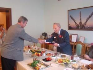 Мы с Владимиром Карповым познакомились уже в Москве