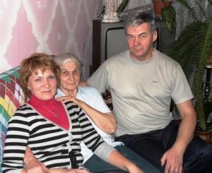 Моя мама Майя Николаевна и сестра Владлена, тоже мама