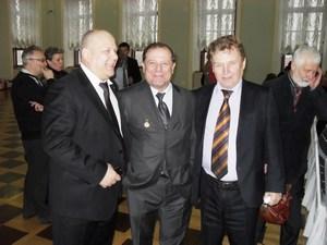 Юрий Коноплянников (в центре) и Степан Колмаков (права)